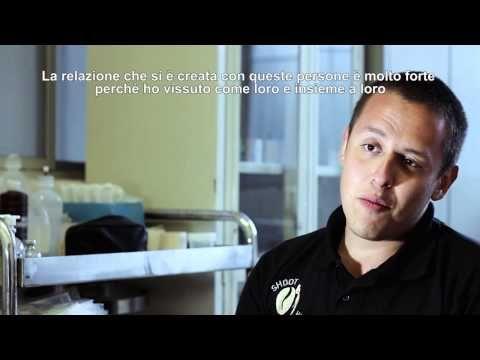 ▶ Shoot4Coffee - La Brigada Medica (un progetto di Shoot4Change) - YouTube Un omaggio di S4C ai volontari (medici e fotografi S4C Mexico) che hanno formato - e raccontato - un'incredibile Brigada Medica in Chiapas. Il video reportage fa parte del progetto Shoot4Coffee / A S4C tribute to the volunteers (young doctors and S4C Mexico Photographers) who built - an told the story of - an amazing Medical Brigade in Chiapas