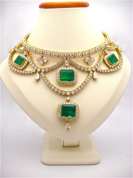 Fred Leighton Emerald and Diamond Necklace