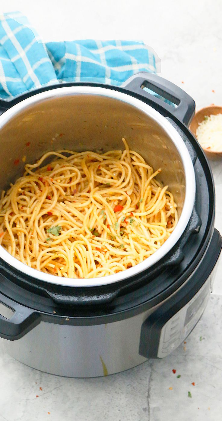 Loaded with garlic, this Instant Pot Spaghetti Aglio e Olio is a one of the simplest of all pasta recipes that is a read…