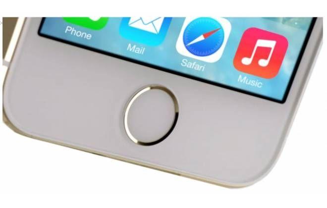 A tecnologia de leitura biométrica adotada pela Apple no iPhone 5S serve como alternativa ao uso de senhas. Mas o recurso gerou uma dúvida: será que se uma pessoa possuir só o dedo do dono do smartphone, mesmo que amputado, ela consegue desbloqueá-lo? A resposta é: não.Não é possível acessar o apare