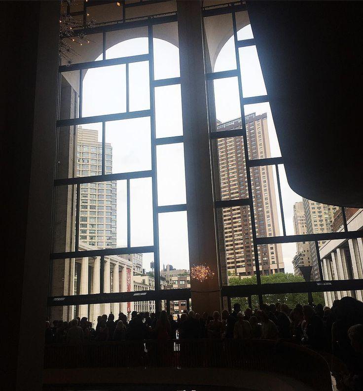 Backlight�� * *  #backlight #photo #photography #view #metgala2017 #gala  #MetOpera #performance #interiordesign  #fashion #music #ootd #style #blacktie #dailylook #newyork #nyc * * 요런 느낌 * * #역광 #느낌 #사진 #음악 #인테리어 #디자인 #스타일 #멋스타그램 #먹스타그램 #맛스타그램 #데일리룩 #뉴욕 #맨하탄 http://tipsrazzi.com/ipost/1512088963791492003/?code=BT8BOazlJOj