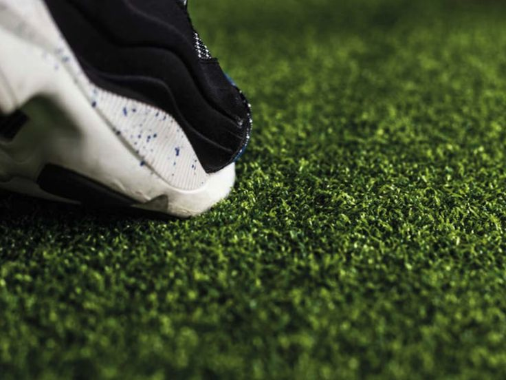 Artificial grass texture close up shot of the field turf .. check out our entry level and custom artificial turf!  #artificialturf #turf #sportsconditioning #strengthandconditiining #athletictraining #athletes #functionaltraining #fitness #exercise #fitnessmanager