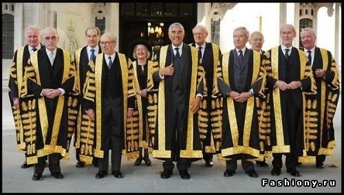Одежда судьи серый пиджак