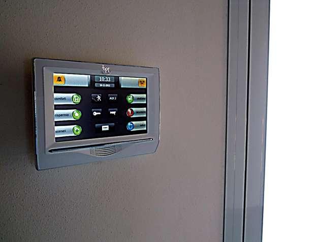 Mitho di BPT è la gamma di terminali multifunzione a colori e touch screen pensata per la gestione intelligente della casa. http://www.leonardo.tv/hi-tech/domotica-novita-tecnologiche/terminale-mitho-bpt