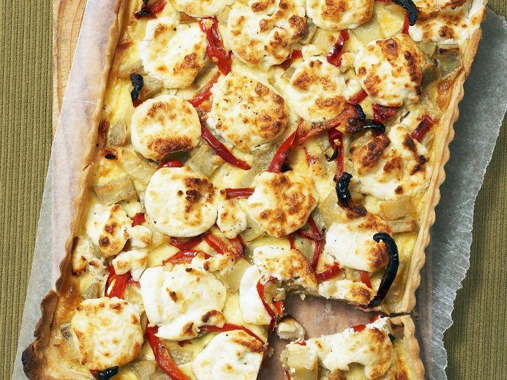 Quiche mit Süßkartoffeln und Ziegenkäse   Zeit: 40 Min.   http://eatsmarter.de/rezepte/quiche-mit-suesskartoffeln-und-ziegenkaese