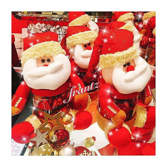 もうこんな季節ですね💝🎁 クリスマスは家族としか過ごした事が無いのでそれ以外の過ごし方がもはやわかりません😅1番好きな季節のイベントごとなんだけどなぁ〜笑。子供達が大きくなったら、彼と2人きりで海外のクリスマスを楽しんでみたいものです🎄 今日はおやつにfrantz🍓甘党+苺好きにはたまりません˚✧₊⁎❝᷀ົཽ≀ˍ̮❝᷀ົཽ⁎⁺˳✧༚ #おやつ#2児のママ #男の子ママ#ママ#ママライフ#バレエ#親バカ部#愛犬#3ヶ月#チワワ#パピー#ブラックタン#ロングコートチワワ#溺愛#オス#ロマ#一目惚れ#dog#chihuahua #cute#japan#ballerina#baller#mama#mamalife#frantz#xmas#christmas