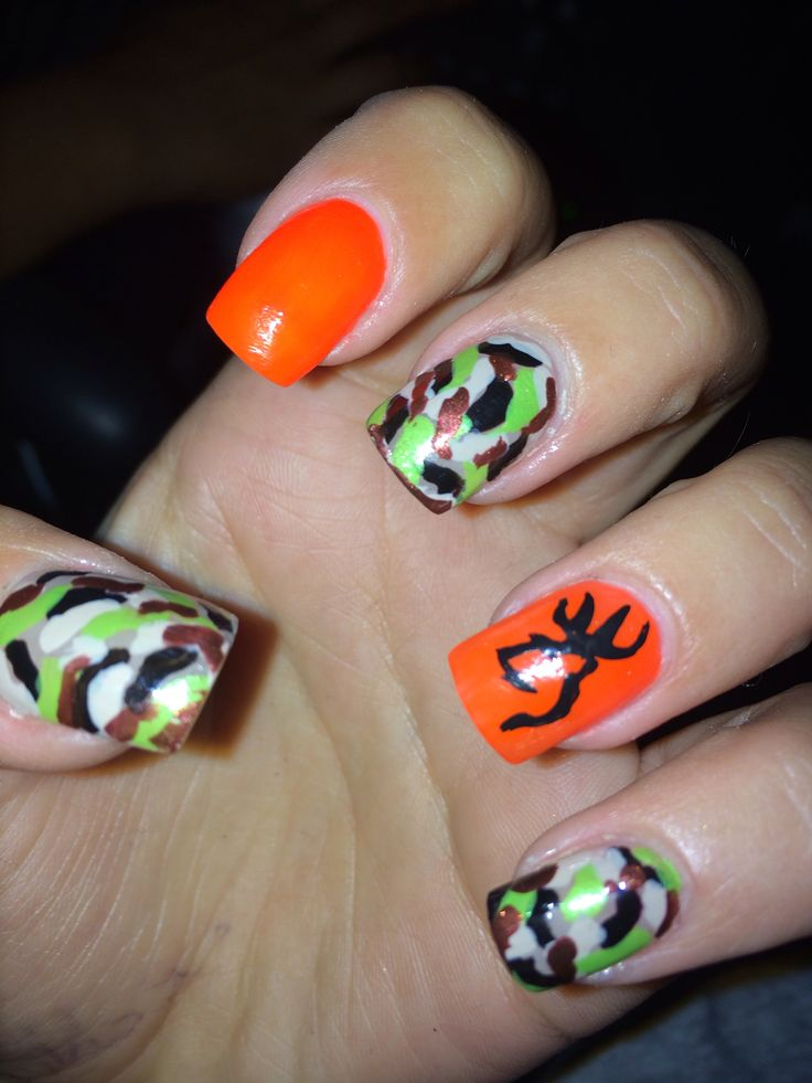Hunting nail art! Browning deer head on ring finger, painted it myself, no - 112 Best Nails Images On Pinterest Make Up, Hairstyles And