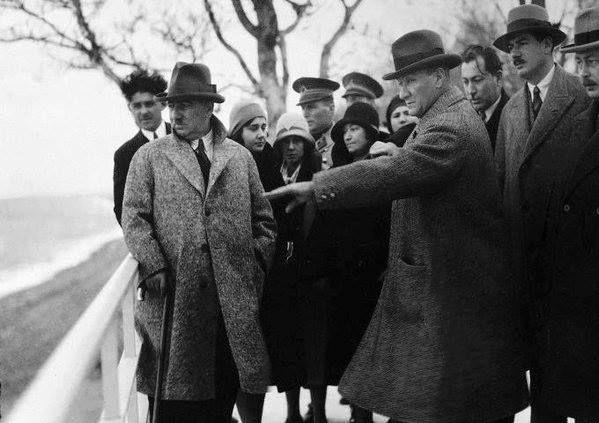 60 Tane Daha Önce Görülmemiş Fotoğraflarla Atatürk