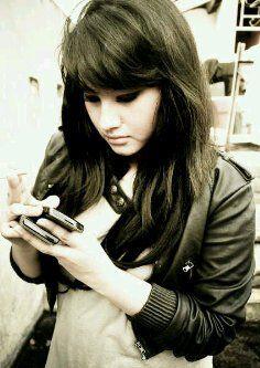 Samantha Pramasthita – Pecinta Ice Cream Yang Ga Bisa Lepas iPhone & Blackberry