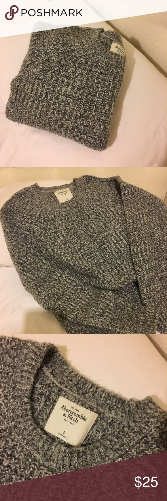 Gray Knit Sweater A&F Abercrombie & Fitch gray knit sweater! Worn a few times only. Super cozy, super comfy! Will make so many cute outfits, for so many different occasions. In good condition! Abercrombie & Fitch Sweaters Crew & Scoop Necks