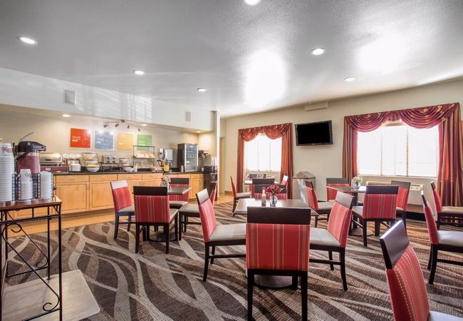 Comfort Inn Fruita Co Hotel Is Near To Grand Junction Regional Airport You Will Reached Easily Http Www Comfortinngrandjunctionfrui Hotel Hotels Near Fruita