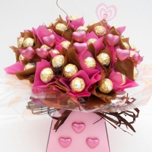 Regalo para ellas: Ramo de Ferrero Rocher | Aprender manualidades es facilisimo.com