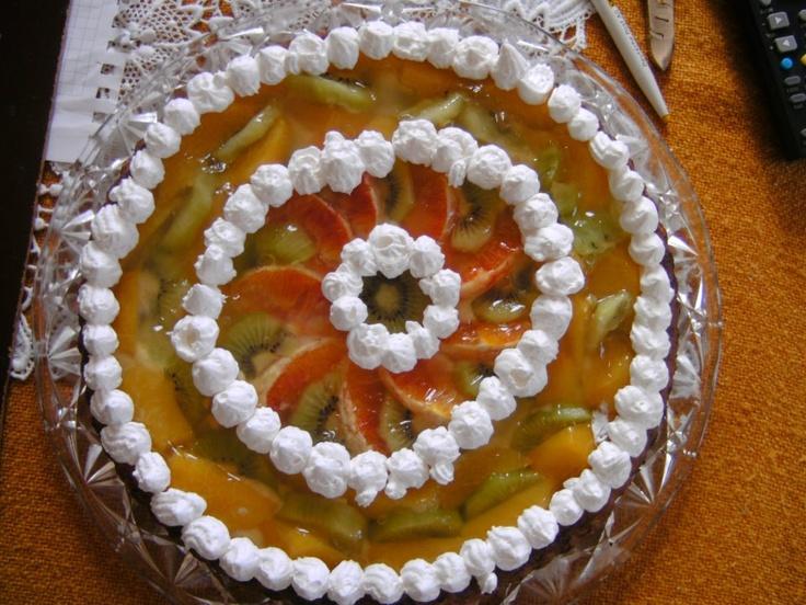 Crostata di pesche, arance e kiwi con un tocco di panna montata *-*