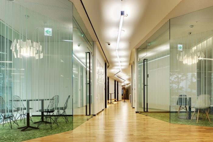 """AhnLab is a public company on Korea Exchange and makes antivirus software. The new office design for AhnLab Pangyo headquarter was based on the base concept of """"horizontal communication""""."""