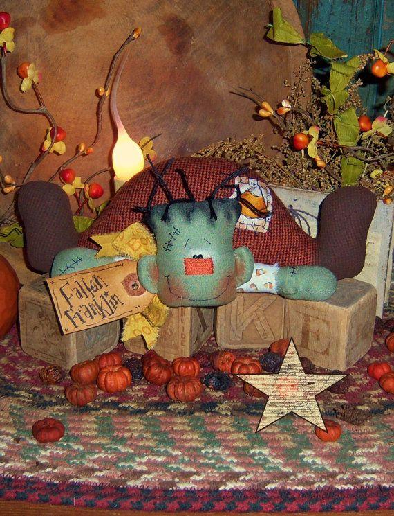 Ratties primitivo Halloween Frankenstein Ornie por pattisratties