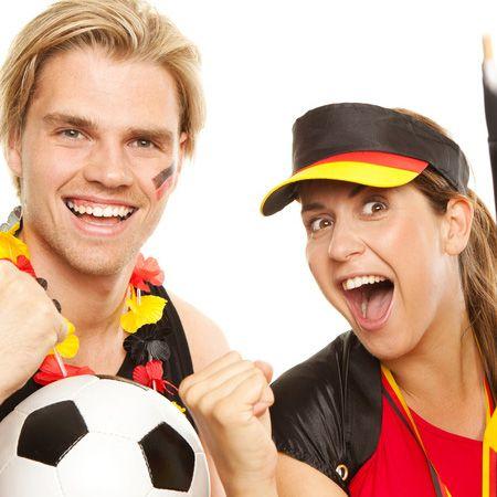Keine Ahnung von Fußball? Macht nichts! Die Fußball-EM 2012 startet am 8. Juni. Sie haben noch genug Zeit, um Fantrikots, Perücken und