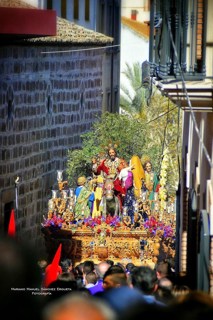 Ntro. Padre Jesús en su entrada en Jerusalén C/ Campanario, momentazo de esta Semana Santa de Linares 2015