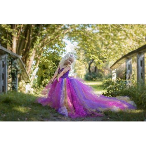 Special designet håndlavet Rapunzel tylkjole
