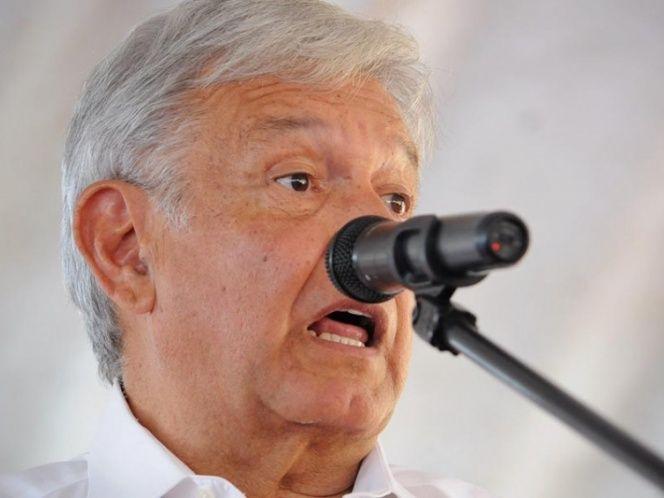 """En el PRD,""""le están haciendo el juego sucio al PRI"""", dice López Obrador"""