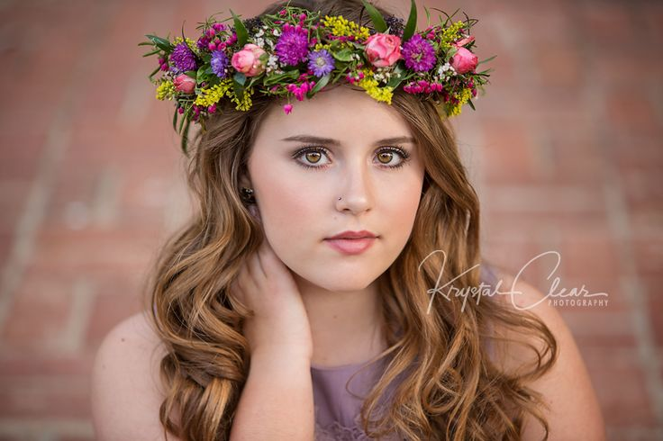 Senior Girl with Flower Crown. www.kclearphotography.com
