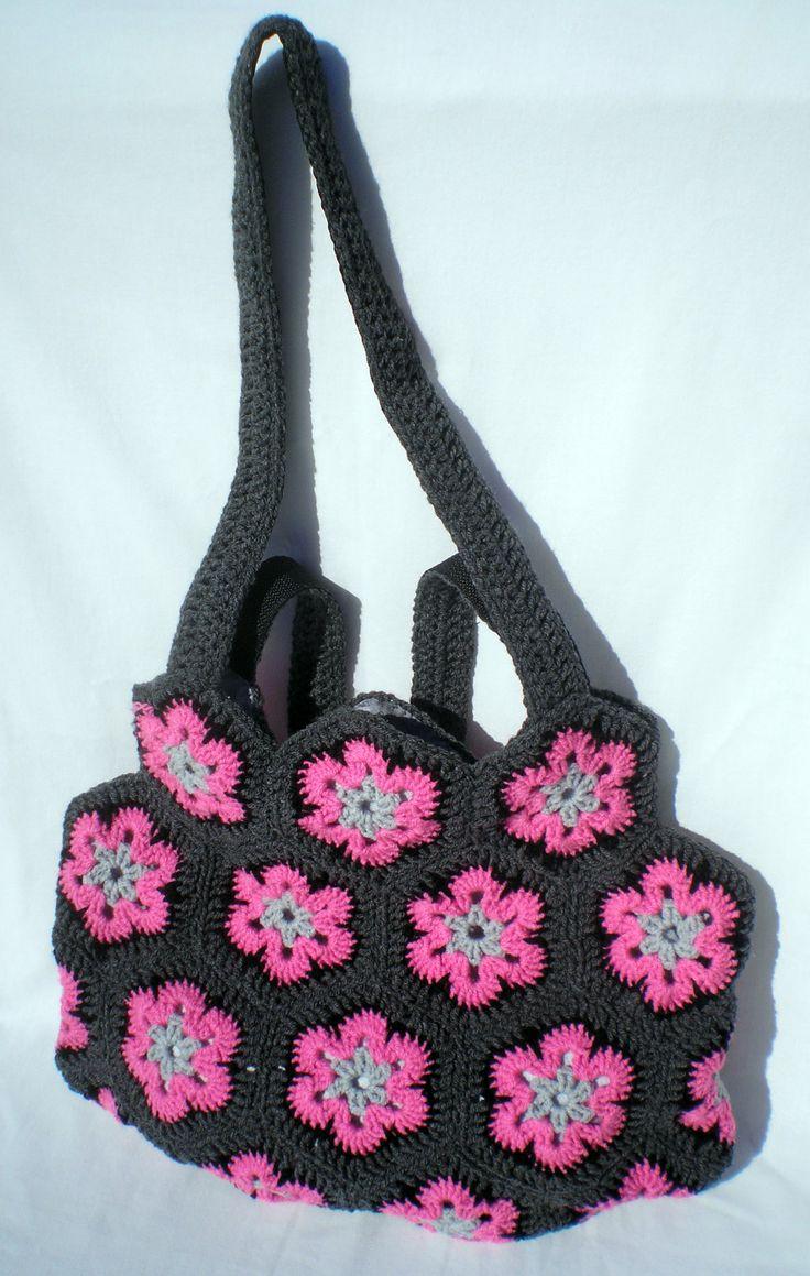 Saját készítésű kézzel horgolt táskám.  Handmade crochet bag. Hobbysuli design and product.