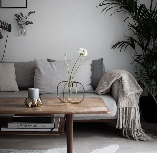 Celebrating spring with a one flower vase from be&liv / Niki Brantmark - My Scandinavian Home