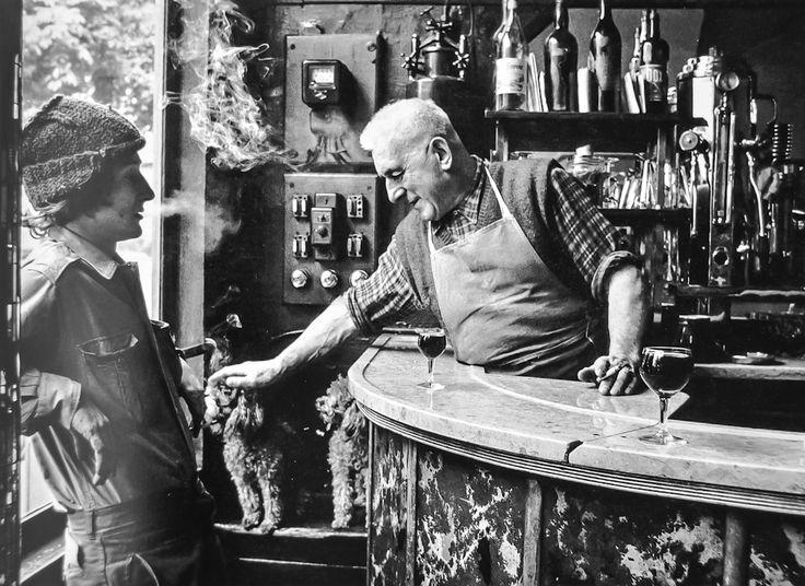 Jean Settour, bar BOF 1966 |¤ Robert Doisneau