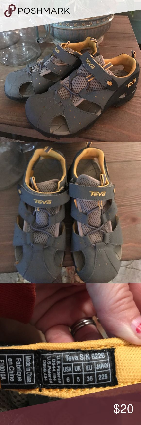 SPERRY SANDALS!!🔥 Brand new Sperry sandals! Bought them and just never wore them.😊 Teva Shoes Sandals