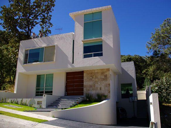Mejores 101 im genes de fachadas de casas en pinterest for Fachadas de casas modernas en queretaro