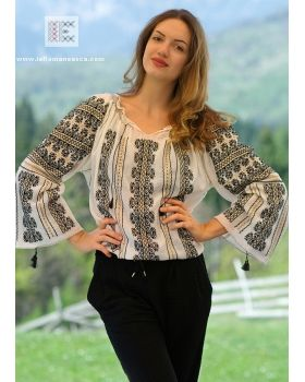 embroidered romanian peasant blouse
