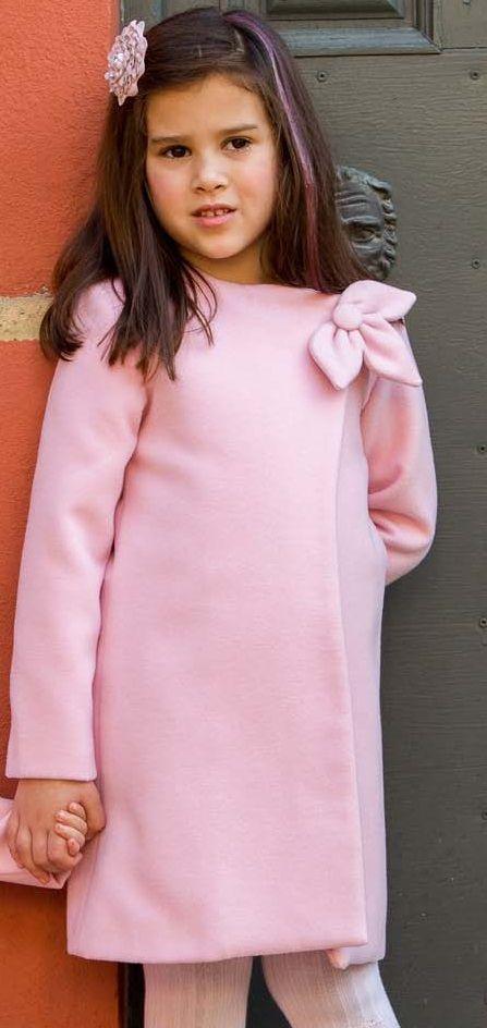 Abrigo para niña modelo flor en rosa disponible en todas las tallas en nuestra tienda online:http://www.cucubebe.com/413-abrigo-para-nina-de-pano-rosa-modelo-flor.html