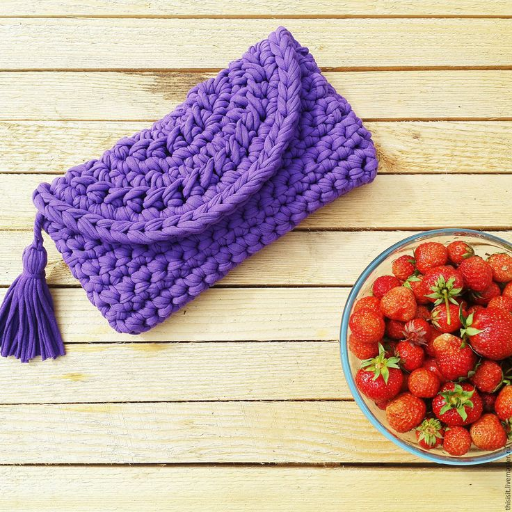 Купить Вязаный клатч с кистью - фиолетовый, однотонный, вязаный клатч, клатч, сумка, женская сумка