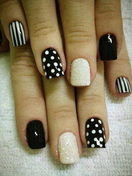 Black White Glittering #stripes #dots #Nailart #nails #manicure