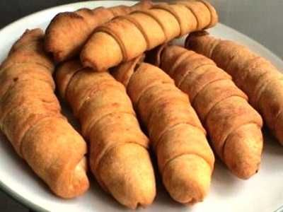 Pisang Molen - Kumpulan aneka cara membuat video resep pisang molen mini keju goreng atau panggang oven ncc asli kartika sari diah didi bandung paling renyah ada disini.