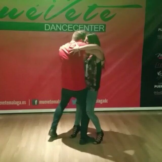 Taller del jueves. Música de @danijoficial @oficialdanij  @srvaldivia86 @mariquuilla  #bachataurbana #bachata #bachatasensual #valdiviaymaria #salsa #kizomba #malaga #baile #dance #videooftheday #insta #instavideo #picoftheday #like #me #top #topshop #workshop #gwepaaa #socialdancetv #video #follow #instapic #instapicture #instagood #pictureoftheday @gwepa @socialdancetv @go_salsabachata