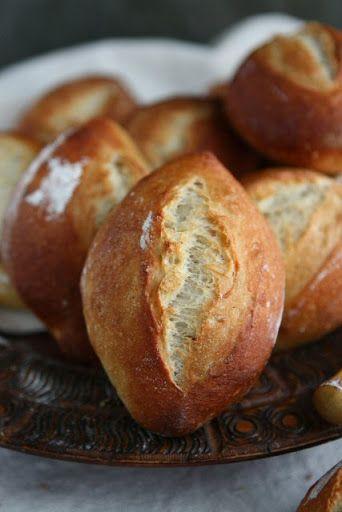 Weizenbrötchen - German Hard Rolls with Poolish #vegetarian #bread #german