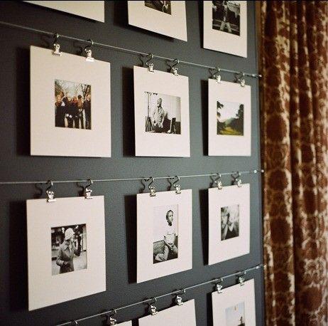 DIY: Fixe alguns cordões na parede, imprima fotos e pregue os painéis com as fotos coladas nos cordões! Incrível não? Uma ótima ideia para decorar sua parede ;) CORREDOR