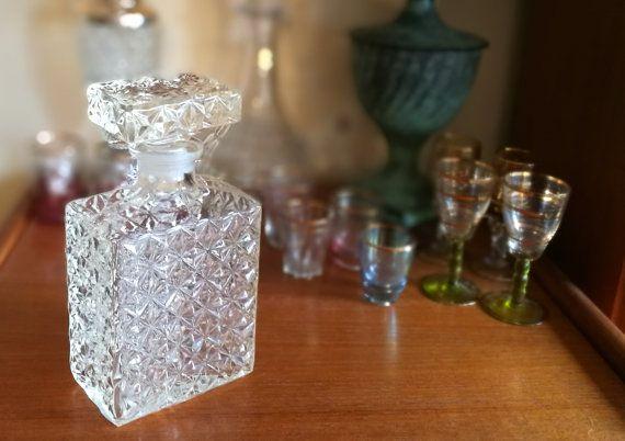 Square decanter, Whisky decanter, Whiskey Decanter, Vintage decanter, Vintage glass decanter, Vintage barware, Vintage bar, Man Cave Decor