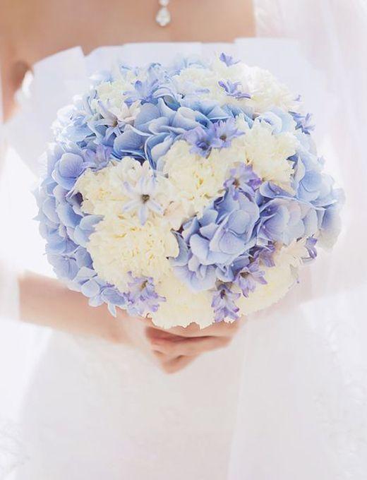 Букеты с гортензией голубой фото