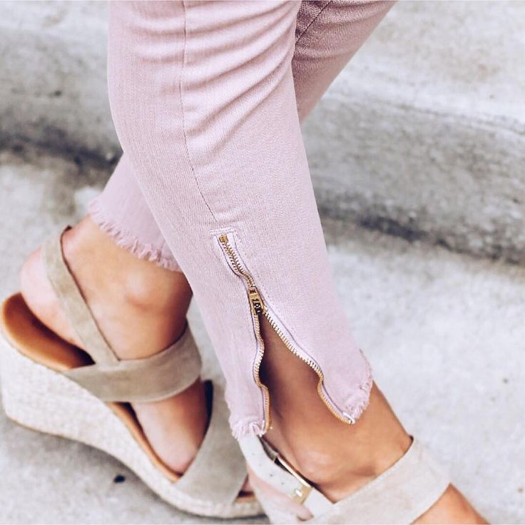 Everything's coming up rose-colored denim! #Regram: @lexwhatwear