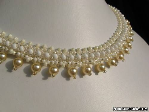 Easy necklace.  Can replace pearls with dangles or crystal.  Could translate but full picture tute. #seed #bead #tutorial