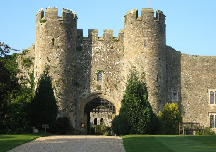 Amberley Castle, West Sussex, England. 12th century manor house fortified in 1377.  Rhomboid-shaped stonework enclosure with high curtain walls, internal towers, hall and gateway.  Fortress of the Bishops of Chichester.