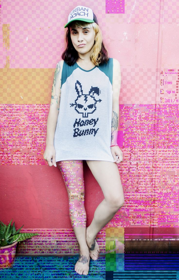Musculosas  #HonneyBunny   #DontPanic  serigrafia artesanal  LOOK FASHION DESIGN pixel pixel art urban moda ranglan