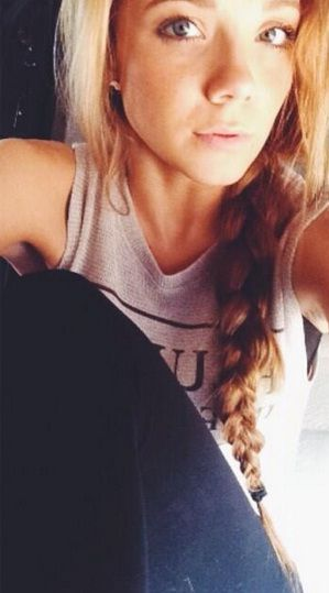 Danielle Bradbery being gorgeous