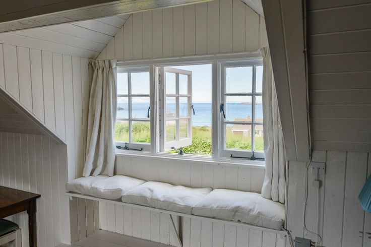 Trewarren - Harlyn Bay - A Cornish, self catering beach holiday house to rent, just a short drive from #Padstow #Cornwall
