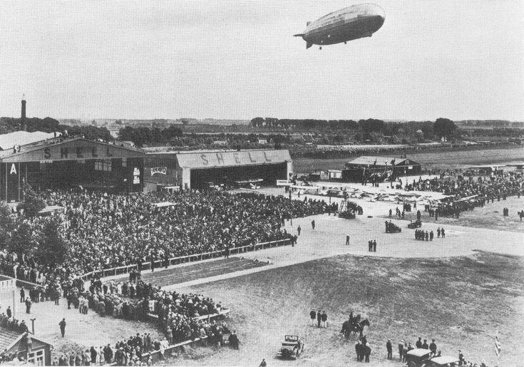 Vliegveld Waalhaven met de Graf Zeppelin, 18 juni 1932