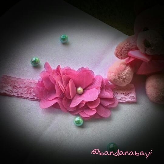 Bandanabayi menjual Bandana, bros, bandana bayi yang dibuat secara handmade dengan bahan yang berkualitas namun dengan harga terjangka. Langsung hub bio Wa/sms : 0838-7789-0927 Bbm: 5D8646AF