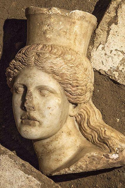 Υπουργείο Πολιτισμού και Αθλητισμού - Συνέχιση ανασκαφικών εργασιών στον Τύμβο Καστά στην Αμφίπολη