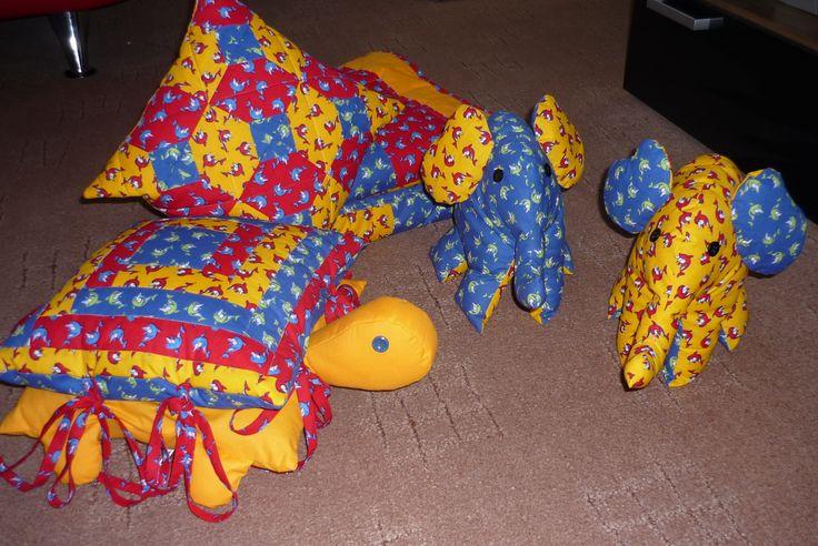 hračky, polštářek, deka