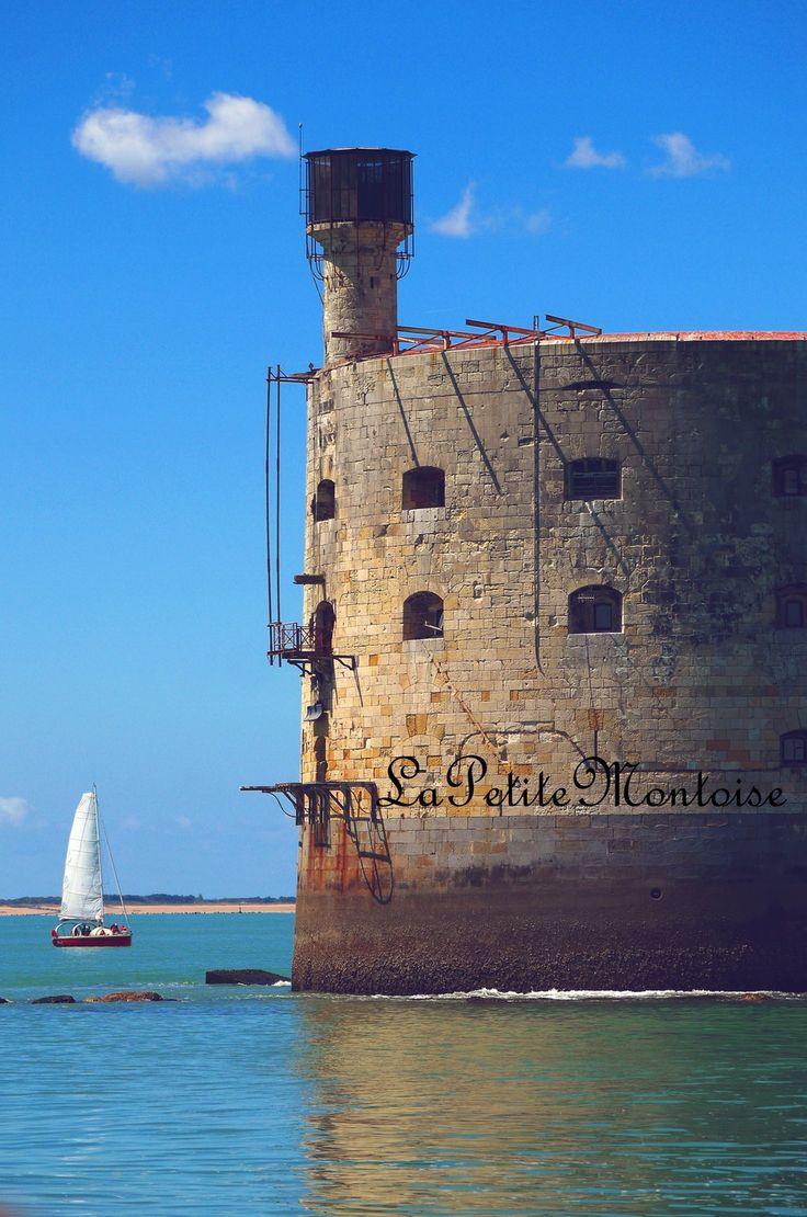 Photographie - Petit voilier face à Fort Boyard, Charente Maritime : Photos par lapetitemontoise